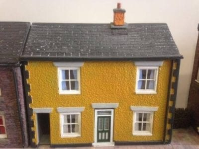 O Gauge Low Relief Cottage With Alleyway - Pebble Dash Finish