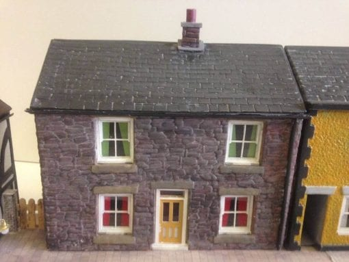 O Gauge Low Relief Cottage without Alleyway - Stone Finish