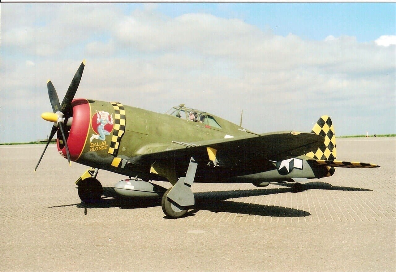 "Republic P-47D Thunderbolt (Razorback) (76"") Plan"